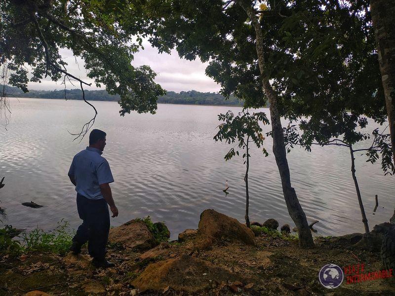 lago que conocimos con camionero Petén hacia Belice