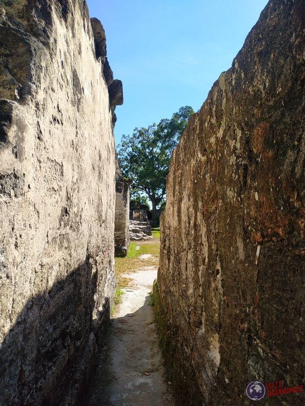 Pasadizos Recovecos Tikal