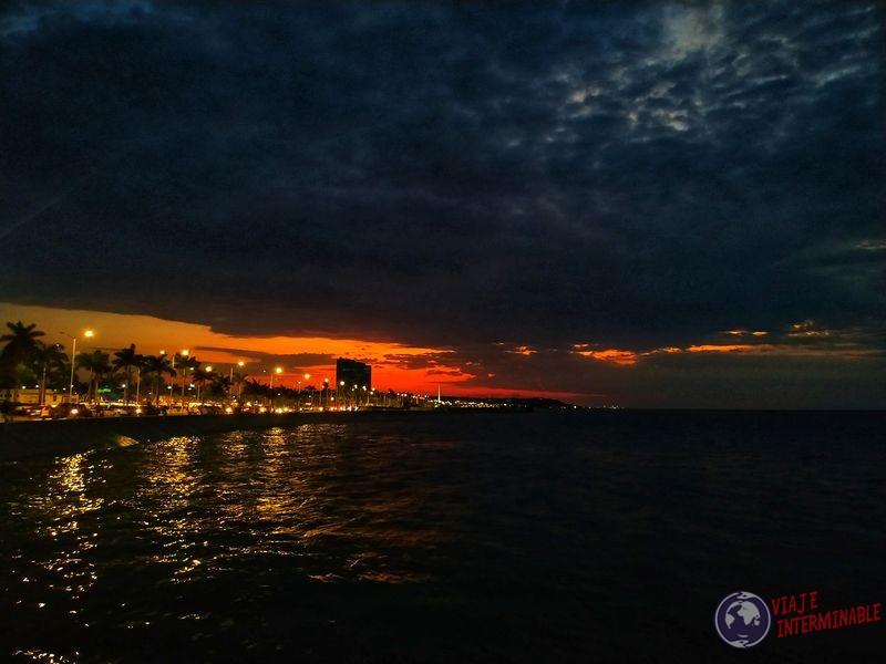 Atardecee casi noche en Campeche Mexico