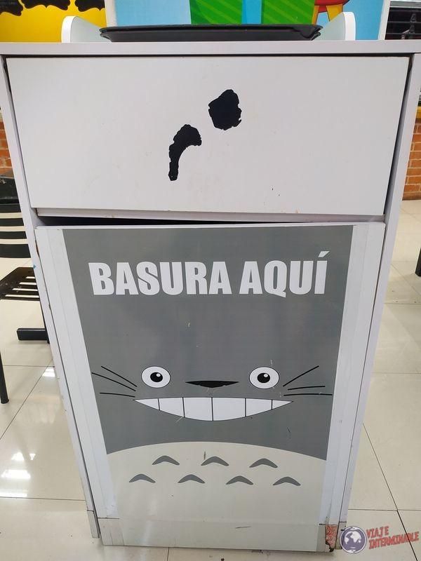 Basura Totoro Friki Plaza Merida