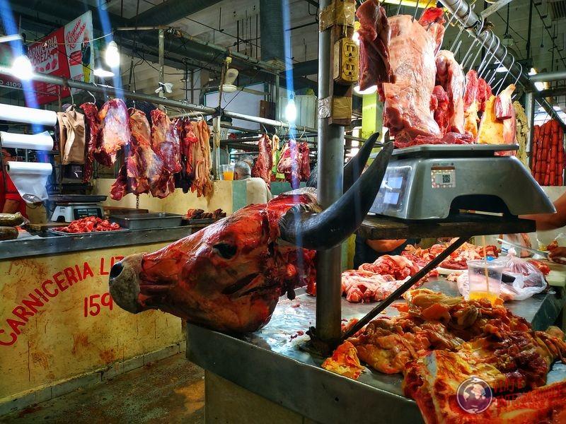 Mercado de carnes craneo en Campeche