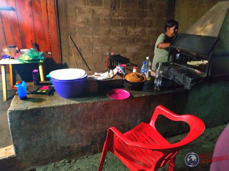 Señora de las mejores quesadillas de México en Rizo de Oro