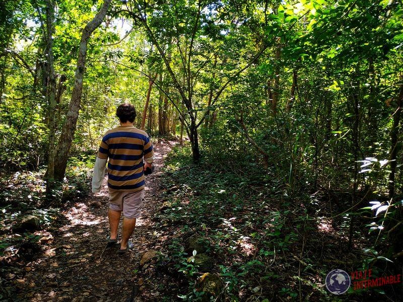 Trekking cenote Miguel Colorado Mexico