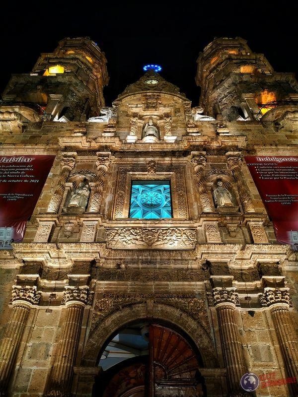 Acercamiento a iglesia Zapopan Guadalajara México