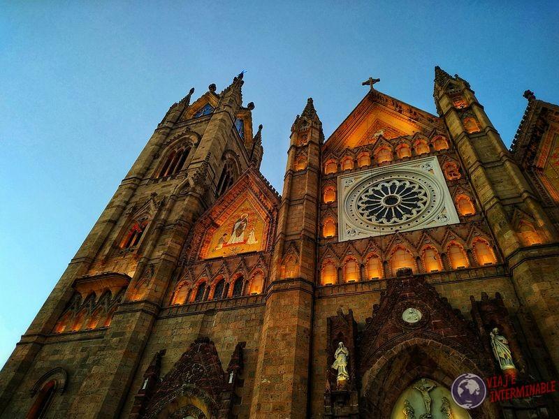 Acercamiento alto Iglesia Expiatorio Guadalajara México