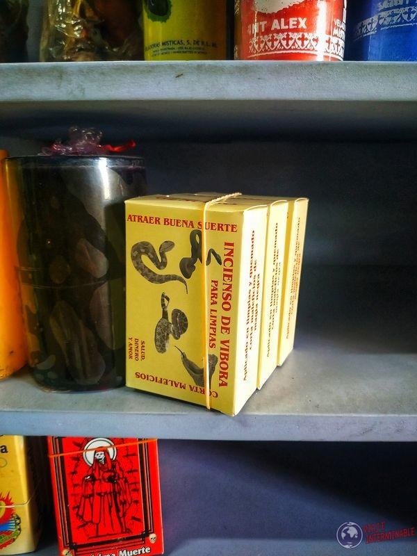 Incienso de serpiente en mercado Guadalajara México