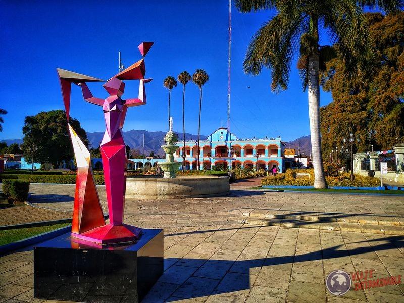 Plaza con monumento El Tule Oaxaca Mexico