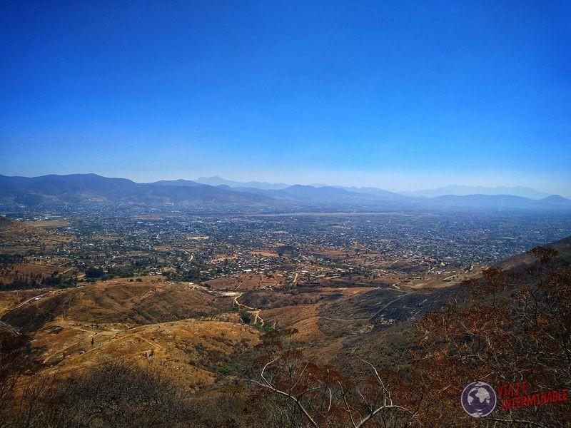 Vistas desde Ruinas Monte Alban Oaxaca Mexico