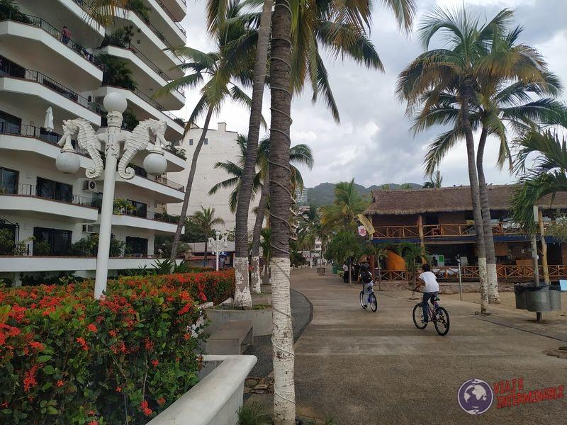 Puerto Vallarta vacio por virus cuarentena Mexico
