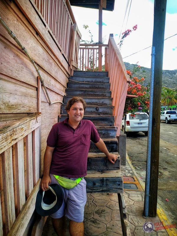 Wa en las escaleras casa Santa Rosalía Baja California Mexico