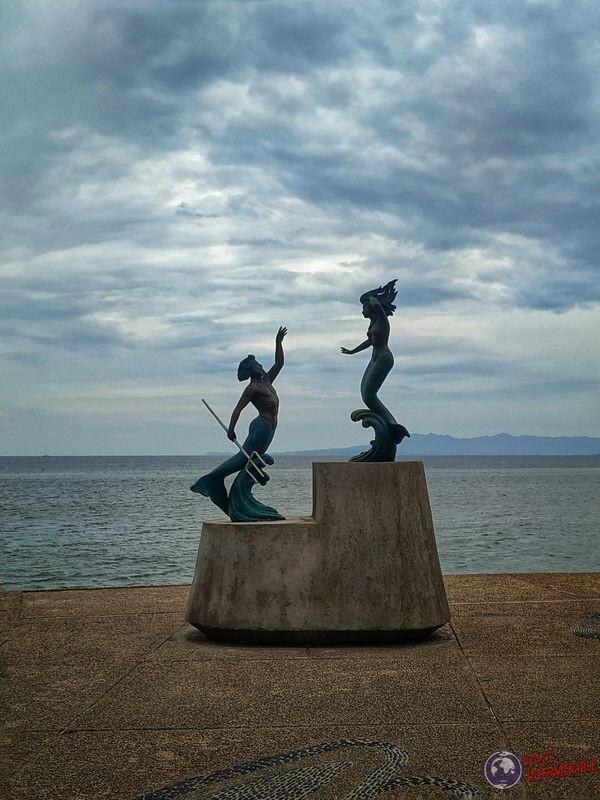 Neptuno y sirena rambla Puerto Vallarta Mexico