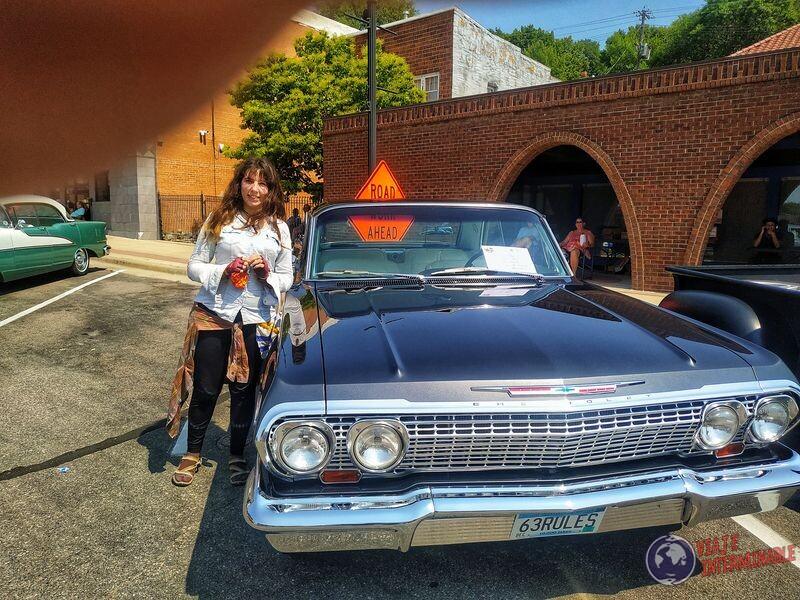 Montevideo 1 - desfile autos Chevrolet Impala