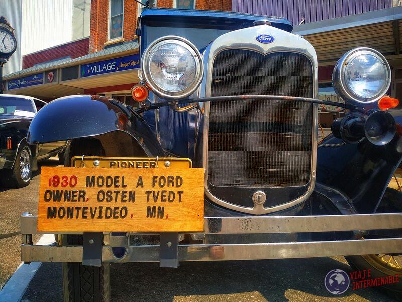 Montevideo Minnesota desfile autos retro cachila