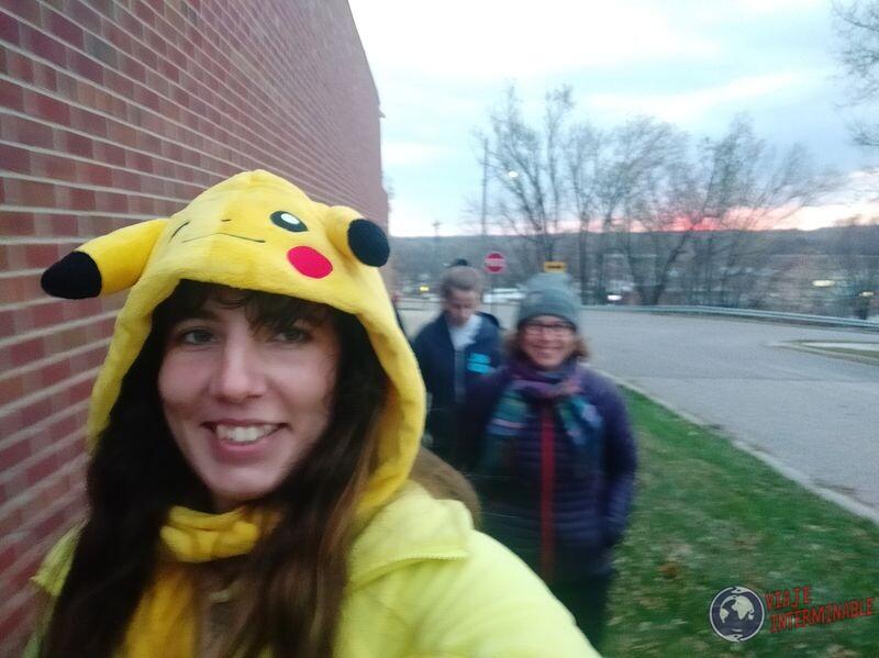 Buscando niños disfrazados halloween Montevideo Minnesota