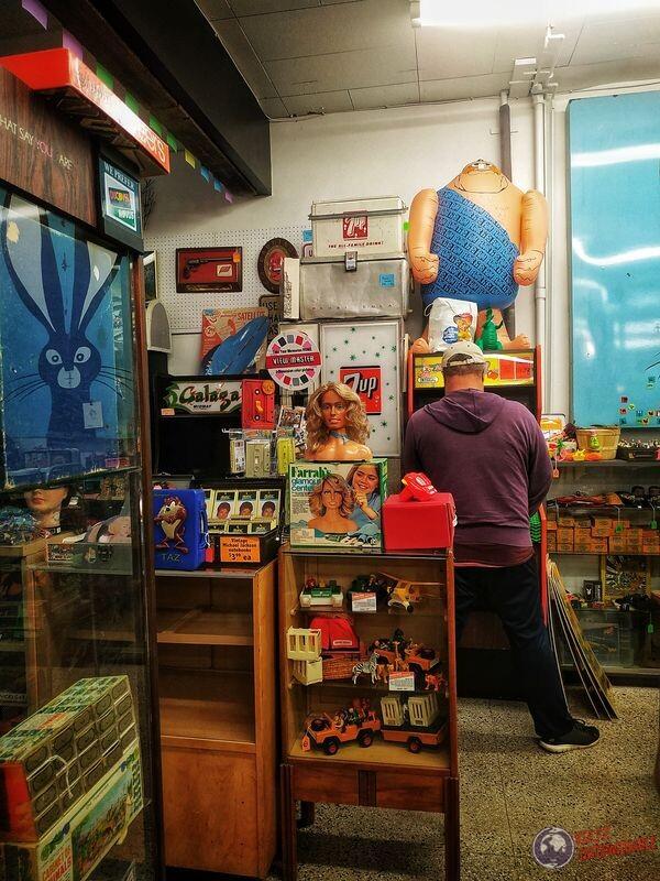 Timebomb tipo jugando maquinita Minneapolis EEUU